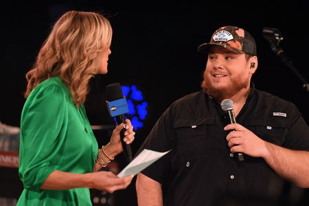 LARA SPENCER, LUKE COMBS
