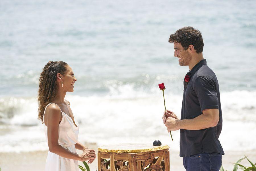 Joe Amabile & Serena Pitt - Bachelor in Paradise 7 - Discussion 157100_2844-900x0