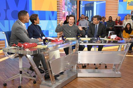 MICHAEL STRAHAN, ROBIN ROBERTS, MARK WAHLBERG, GEORGE STEPHANOPOULOS