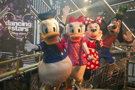 DONALD DUCK, DAISY DUCK, MINNIE MOUSE, GOOFY