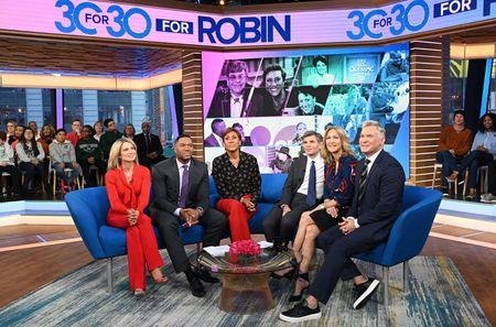 AMY ROBACH, MICHAEL STRAHAN, ROBIN ROBERTS, GEORGE STEPHANOPOULOS, LARA SPENCER, SAM CHAMPION