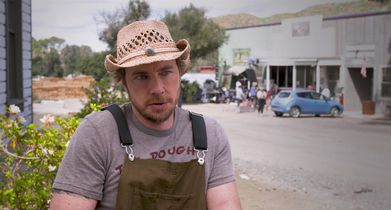 "08. Dax Shepard, ""Mike"" & Executive Producer, On the ensemble cast"
