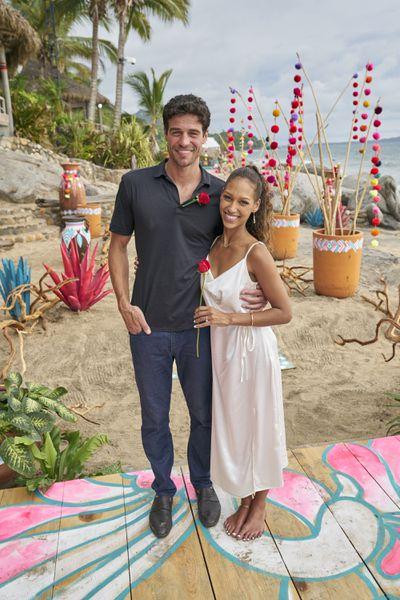 Joe Amabile & Serena Pitt - Bachelor in Paradise 7 - Discussion 157100_7633-400x0