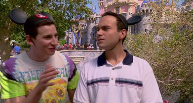 "06.	Sam Lerner, ""Geoff Schwartz"", Troy Gentile, ""Barry Goldberg"", On filming at Disneyland"