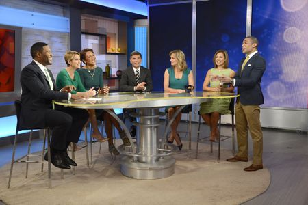 MICHAEL STRAHAN, AMY ROBACH, ROBIN ROBERTS, GEORGE STEPHANOPOULOS, LARA SPENCER, GINGER ZEE, TJ HOLMES