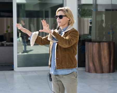 JULIE BOWEN (DIRECTOR)
