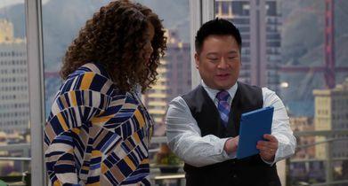 02. Elliott shows Yolanda his new skinny app