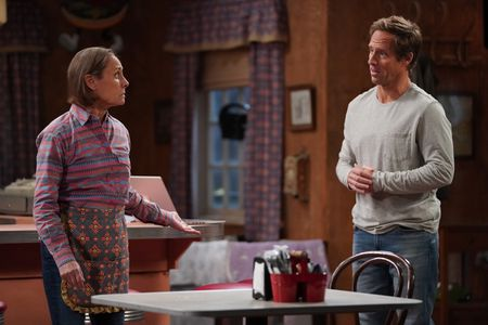 LAURIE METCALF, NAT FAXON