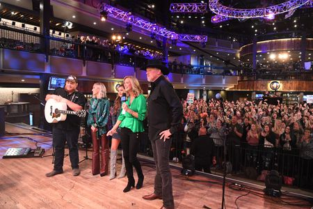 LUKE COMBS, MADDIE AND TAE, LARA SPENCER, TRACE ADKINS