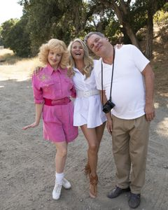 WENDI MCLENDON-COVEY, CHRISTIE BRINKLEY, JEFF GARLIN
