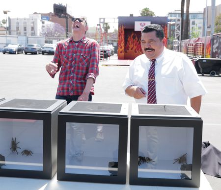JOHNNY KNOXVILLE, GUILLERMO RODRIGUEZ