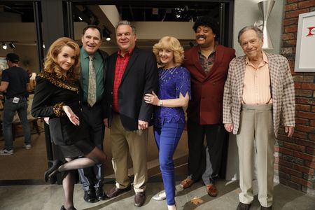 LEA THOMPSON, RICHARD KIND, JEFF GARLIN, WENDI MCLENDON-COVEY, CEDRIC YARBROUGH, GEORGE SEGAL