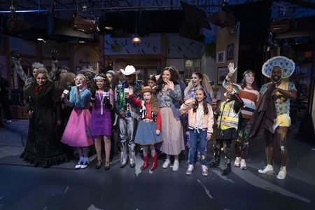 RAVEN-SYMONE, RUBY ROSE TURNER, RUTH RIGHI, ISSAC RYAN BROWN, KINGSTON FOSTER, MIRANDA MAY, KAYLIN HAYMAN, KYLIE CANTRALL, RAMON REED, SUZI BARRETT, TOBIE WINDHAM