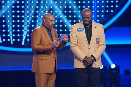 STEVE HARVEY, BRUCE SMITH