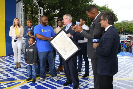 LARA SPENCER, ROBIN ROBERTS, CHARLES REYES AND FAMILY, MAYOR JIM KENNEY, TJ HOLMES, MICHAEL STRAHAN, GEORGE STEPHANOPOULOS