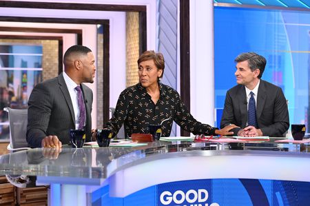 MICHAEL STRAHAN, ROBIN ROBERTS, GEORGE STEPHANOPOULOS