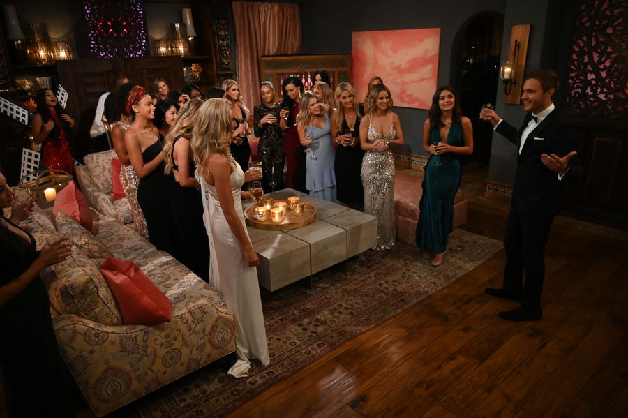 Bachelor 24 - Peter Weber - Jan 6th - Discussion - *Sleuthing Spoilers*  153384_6825-900x0