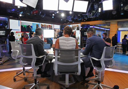 GEORGE STEPHANOPOULOS, ROBIN ROBERTS, MICHAEL STRAHAN