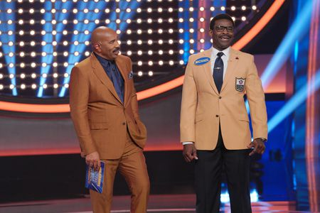 STEVE HARVEY, MICHAEL IRVIN