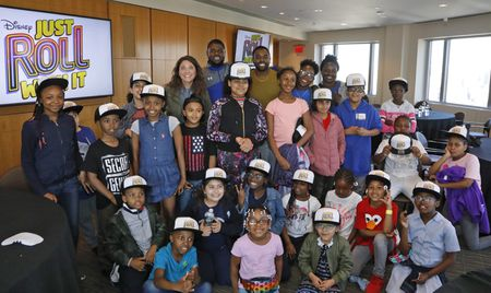 SUZI BARRETT, TOBIE WINDHAM AND MEMBERS OF THE BOYS & GIRLS CLUB OF HARLEM