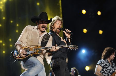 CMA MUSIC FESTIVAL: COUNTRY'S NIGHT TO ROCK