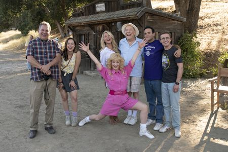 JEFF GARLIN, HAYLEY ORRANTIA, WENDI MCLENDON-COVEY, CHRISTIE BRINKLEY, GEORGE SEGAL, TROY GENTILE, SEAN GIAMBRONE