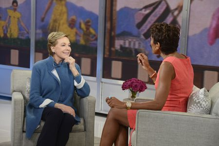 JULIE ANDREWS, ROBIN ROBERTS