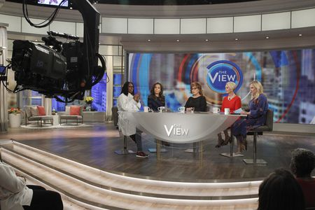 WHOOPI GOLDBERG, SUNNY HOSTIN, JOY BEHAR, CINDY MCCAIN, MEGHAN MCCAIN
