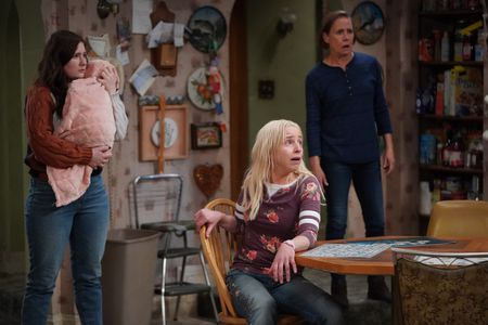 EMMA KENNEY, LECY GORANSON, LAURIE METCALF