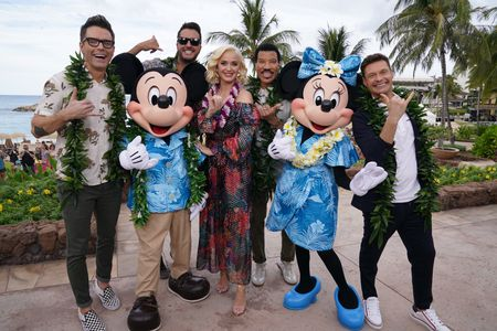 BOBBY BONES, MICKEY MOUSE,  LUKE BRYAN, KATY PERRY, LIONEL RICHIE, MINNIE MOUSE, RYAN SEACREST