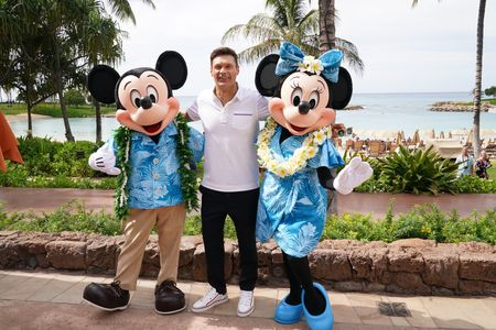 MICKEY MOUSE, RYAN SEACREST, MINNIE MOUSE