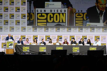 JEPH LOEB (EXECUTIVE PRODUCER AND HEAD OF MARVEL TELEVISION), CLARK GREGG, CHLOE BENNET, MING-NA WEN, IAIN DE CAESTECKER, ELIZABETH HENSTRIDGE, HENRY SIMMONS, NATALIA CORDOVA-BUCKLEY, JEFF WARD, JED WHEDON (EXECUTIVE PRODUCER), MAURISSA TANCHAROEN (EXECUT