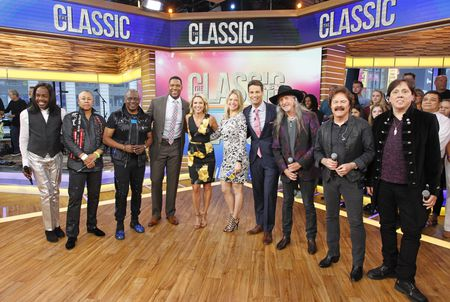 EARTH, WIND & FIRE, MICHAEL STRAHAN, AMY ROBACH, SARA HAINES, ROB MARCIANO, THE DOOBIE BROTHERS