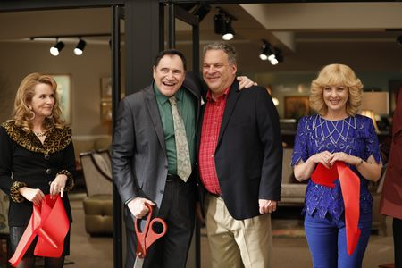 LEA THOMPSON, RICHARD KIND, JEFF GARLIN, WENDI MCLENDON-COVEY
