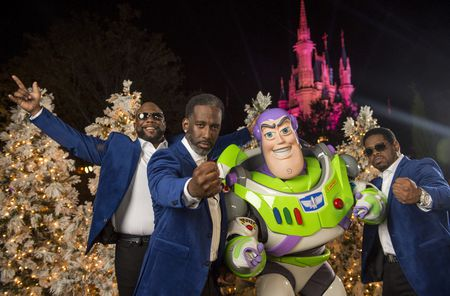 BOYZ II MEN, BUZZ LIGHTYEAR