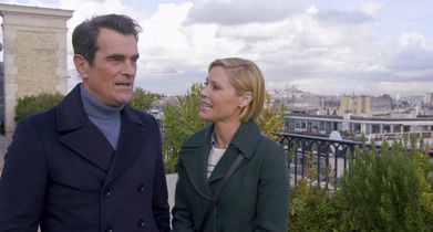"06. Julie Bowen, ""Claire Dunphy"", Ty Burrell, ""Phil Dunphy"", On being in Paris"