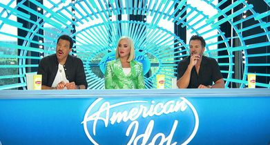 American Idol 303 Clips - 02. Courtney Timmons -Intro and start of audition