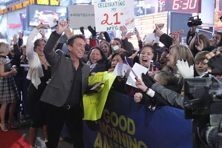 CARRIE ANN INABA, BRUNO TONIOLI, FANS