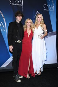 SHANNON CAMPBELL, KIM CAMPBELL, ASHLEY CAMPBELL