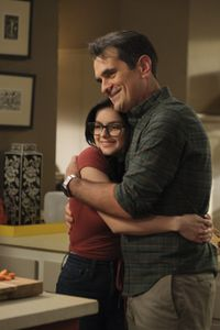 ARIEL WINTER, TY BURRELL