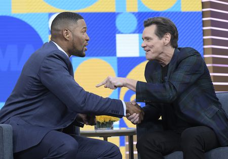 MICHAEL STRAHAN, JIM CARREY