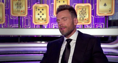 04. Joel McHale, Host, On the set design