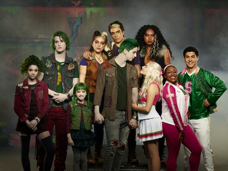 KYLEE RUSSELL, JAMES GODFREY, KINGSTON FOSTER, ARIEL MARTIN, PEARCE JOZA, MILO MANHEIM, MEG DONNELLY, CHANDLER KINNEY, CARLA JEFFERY, TREVOR TORDJMAN