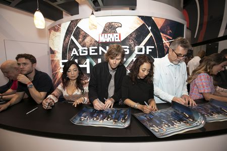 IAIN DE CAESTECKER, MING-NA WEN, JED WHEDON (EXECUTIVE PRODUCER), MAURISSA TANCHAROEN (EXECUTIVE PRODUCER), JEFF BELL (EXECUTIVE PRODUCER), CHLOE BENNET