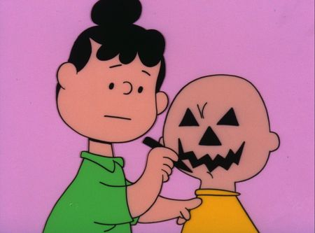 VIOLET GIVES CHARLIE BROWN A NEW LOOK
