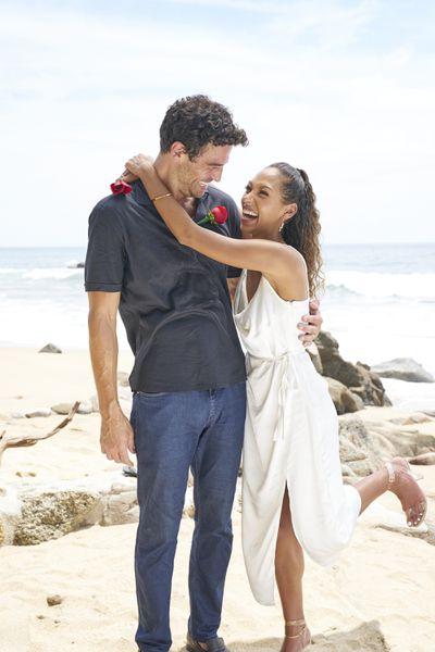 Joe Amabile & Serena Pitt - Bachelor in Paradise 7 - Discussion 157100_6819-400x0