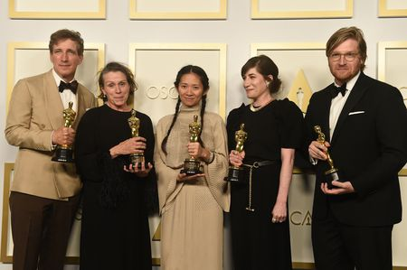 PETER SPEARS, FRANCES MCDORMAND, CHLOE ZHAO, MOLLYE ASHER, DAN JANVEY