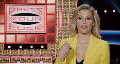 3.	Elizabeth Banks, Host, On her favorite prize from last season