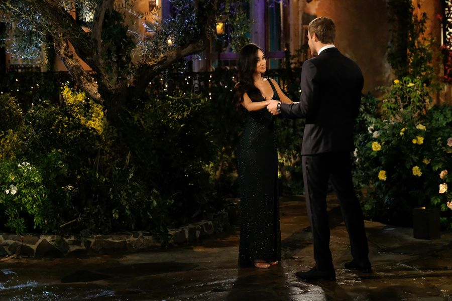 Victoria Fuller - Bachelor 24 - *Sleuthing Spoilers* - Page 3 153384_7616-900x0
