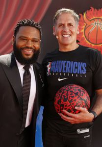 ANTHONY ANDERSON, MARK CUBAN